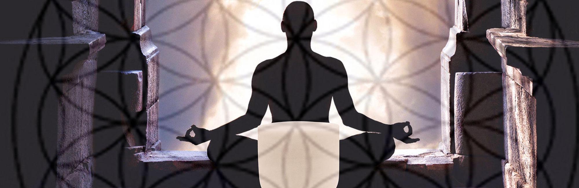 mantras et bol de cristal. La vibration du son et sa résonance : Découvrez comment mediter avec son bol chantant en cristal et des mantras. Cristal Vibrasons