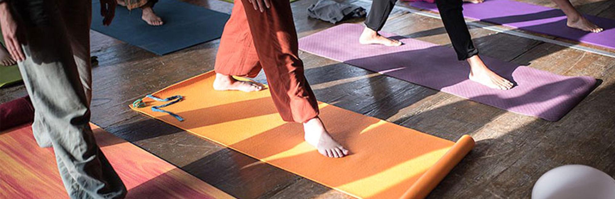 Inclusion d'un bol de cristal dans un cours de yoga. Conseils sur l'utilisation du bol pendant le cours et les différents usages - Cristal Vibrasons